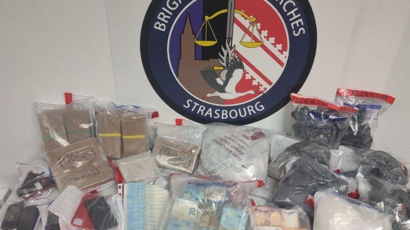 Les gendarmes ont saisi plusieurs kilos de drogue et de l'argent liquide
